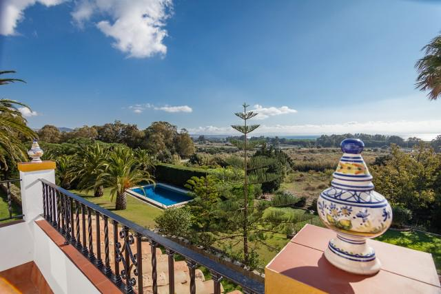 Villa -                                       Tarifa -                                       5 bedrooms -                                       10 persons
