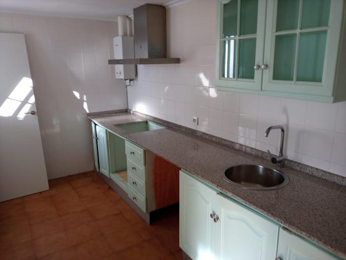 House -                                       Tarifa -                                       3 bedrooms -                                       0 persons